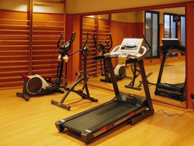 W-gimnas-entrenament-esport-fitness